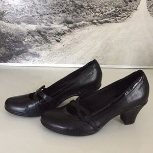Clark's black dress shoes